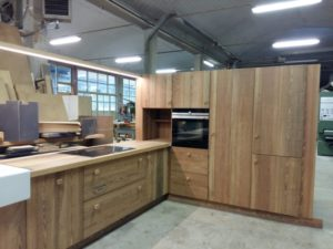 CUCINA IN PITCHPINE
